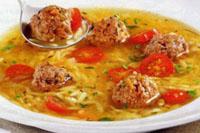 суп с фрикадельками и с рисом